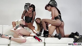 Jessica Drake is wicked and fucks with three shemales: Aubrey Kate, Domino Presley and Venus Lux
